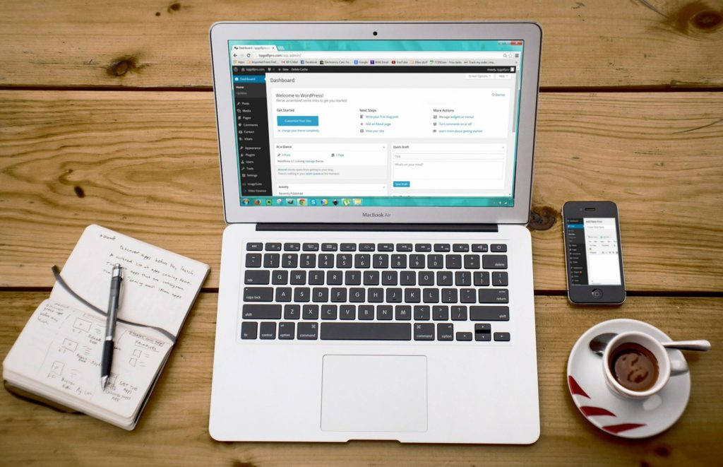 ordenador-blog-mesa
