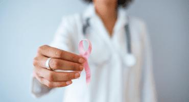 Las redes sociales son el gran aliado de las farmacias en la lucha contra el cáncer de mama